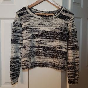 Divided by H&M cropped sweater top LIKE NEW!